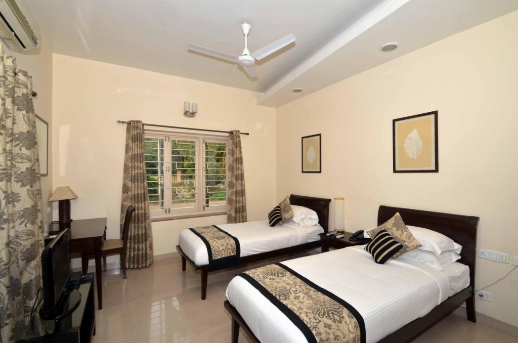 Chennai Service apartments in Nandambakkam - Master Bedroom