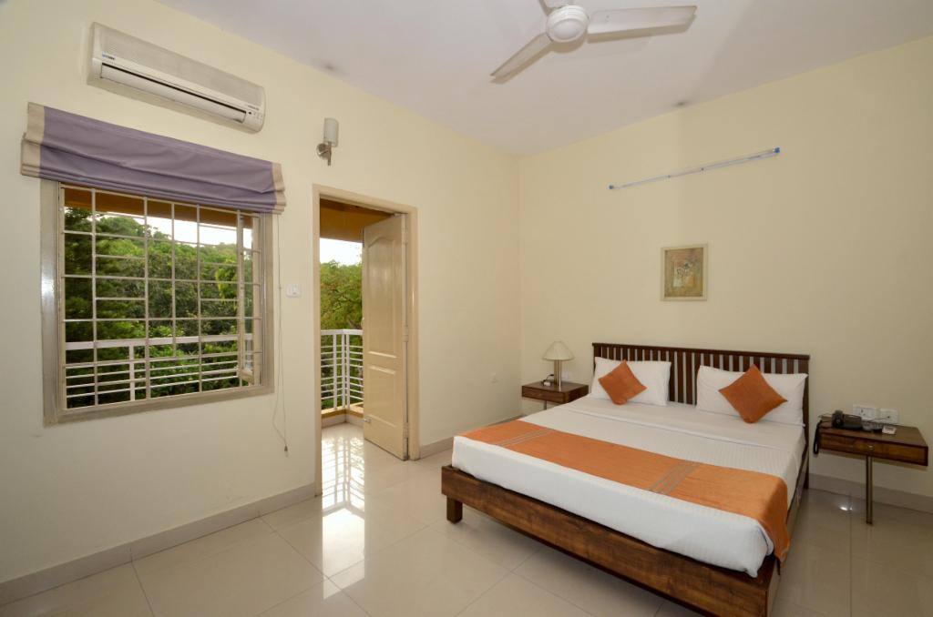 Ulsoor lake - Bangalore Service Apartment - Air-conditioned Bedroom