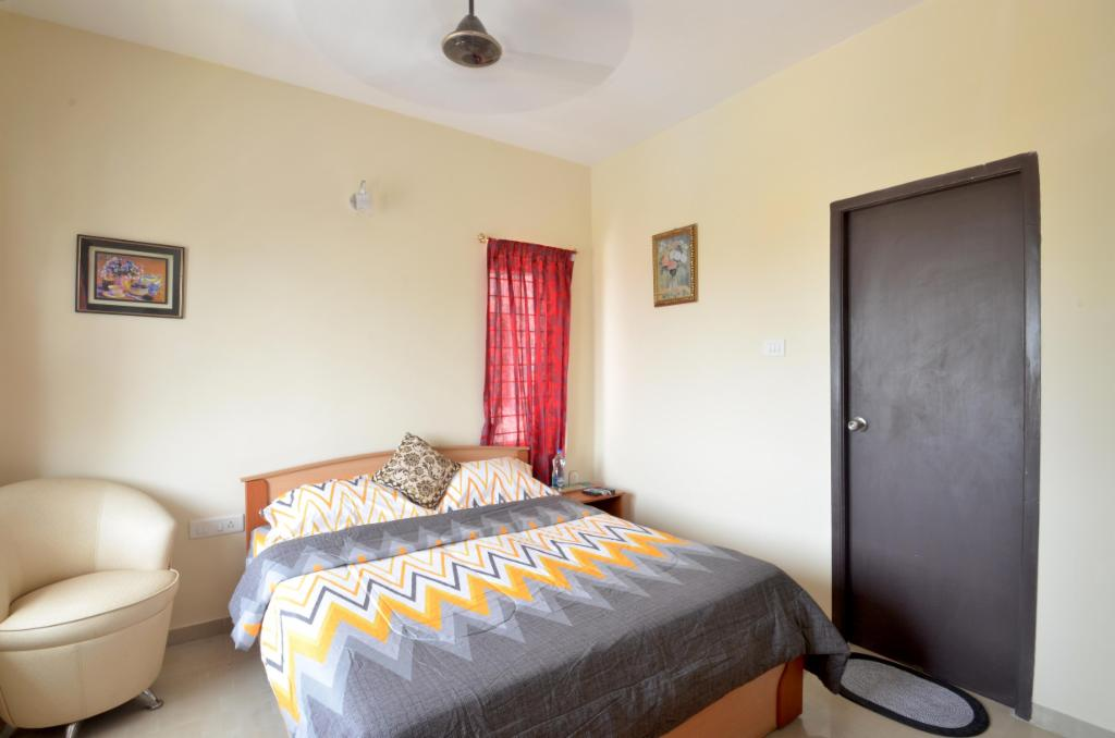 Service apartments in Manapakkam, Chennai - Deluxe Bedroom