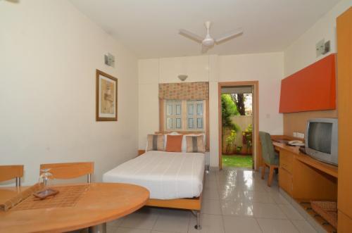 Indiranagar, Bangalore Service Apartments - Deluxe Bedroom