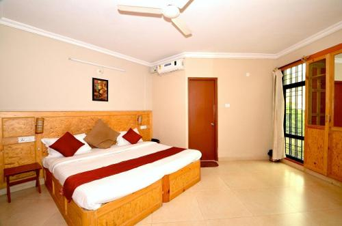 Service apartment near IIM Bangalore, Bannerghatta Road, Deluxe bedroom