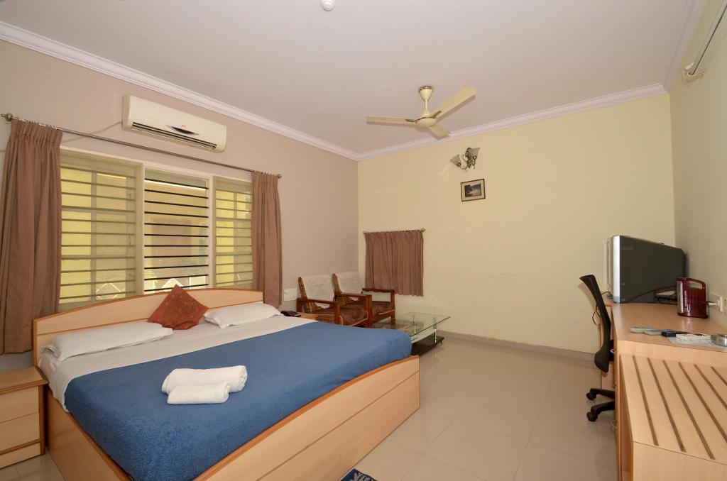 Trusted Stay Service Apartment, Indiranagar, Bangalore - Deluxe Bedroom