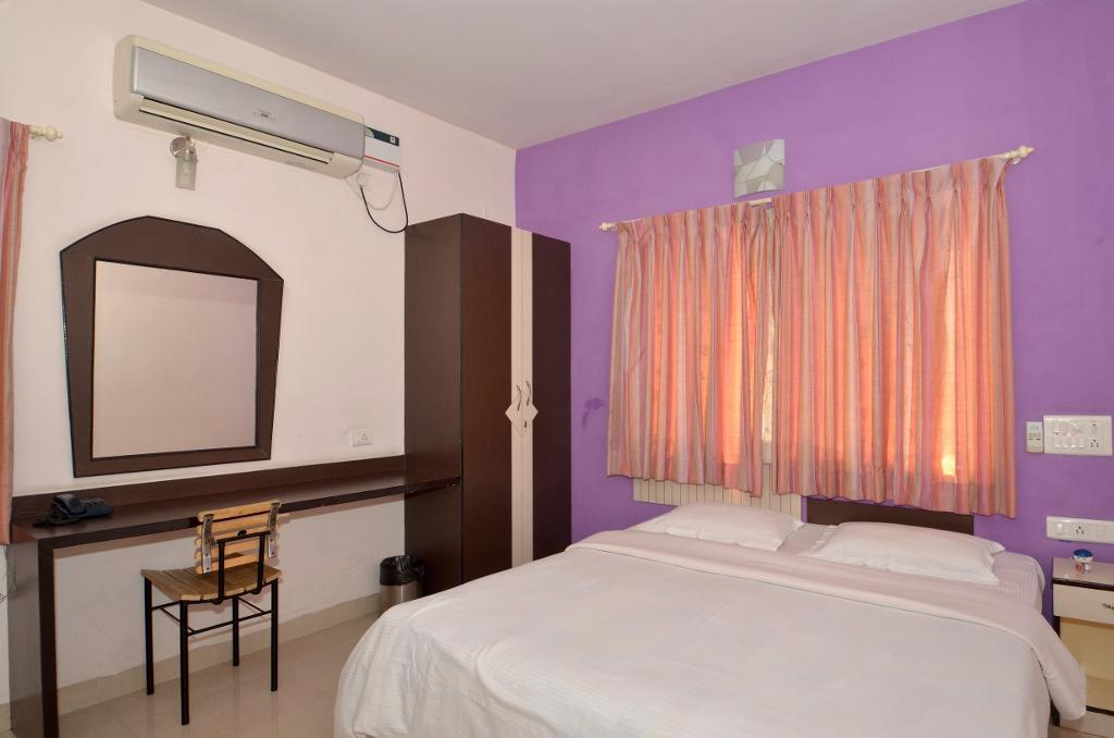 Service Apartments in J.P Nagar - Luxury Bedroom