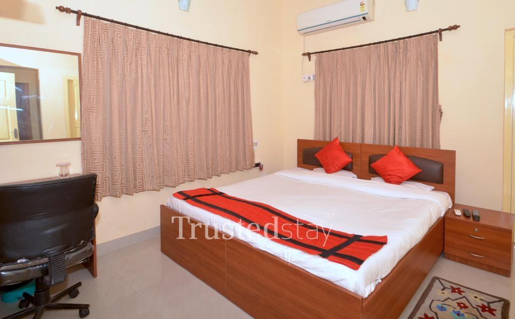 Service Apartments in Salt lake - Kolkata | Master Bedroom