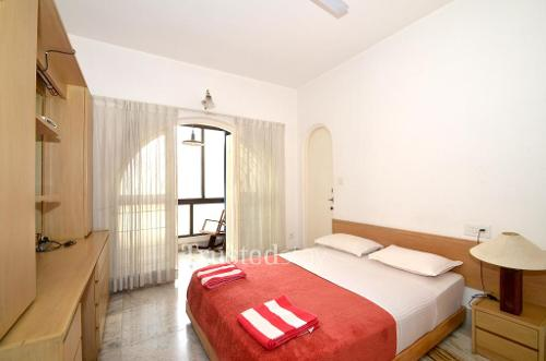 Bangalore Service apartment, Primrose Road - Deluxe Bedroom