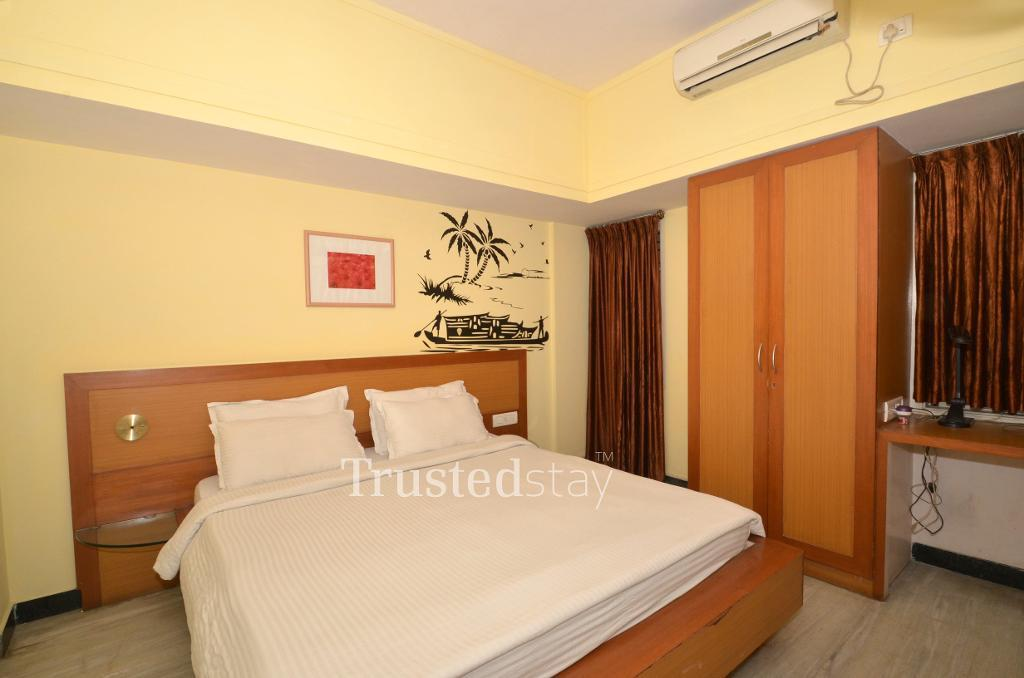 Service apartments in J.P Nagar Bangalore - Deluxe Bedroom