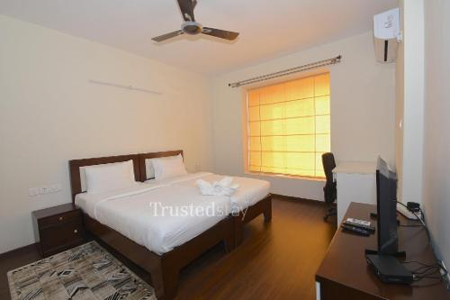 Master bedroom | service apartments in Bellandur, Bangalore