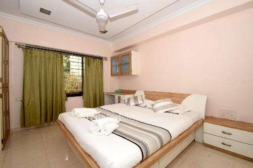 Bedroom |  Furnished Service Apartment in Prabhadevi, Mumbai