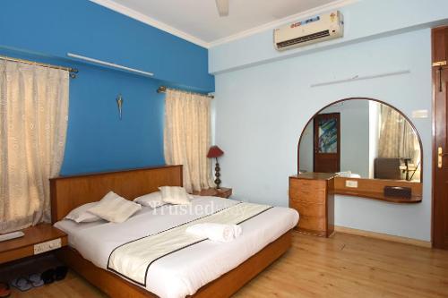 Service Apartment in Eastern Metropolitan Bandra East, Mumbai   Master Bedroom