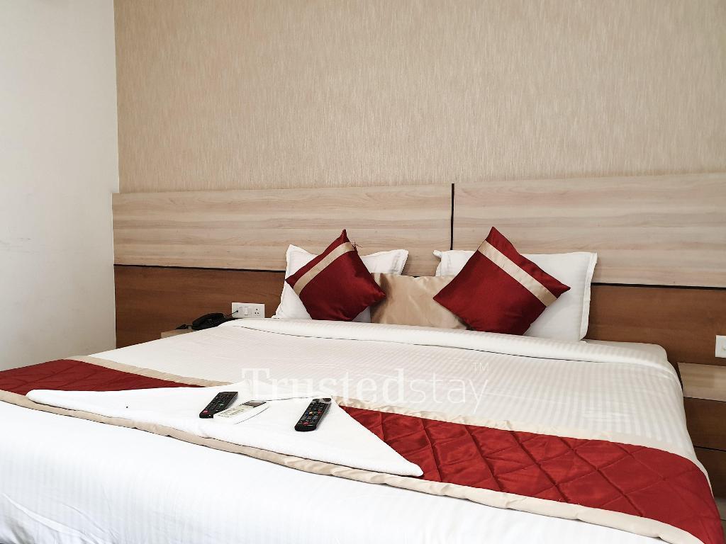 Bedroom at a Trustedstay property in Delhi-NCR   Plot No 4 ( GGNSD4 )