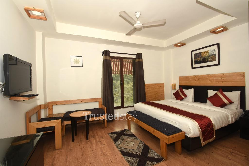 Master Bed room | Service Apartments in Sukhdev Vihar, Okhla