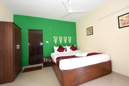 Service Apartment in Mugalivakkam, Chennai | Master Bedroom