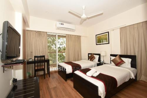 Service Apartment in santacruz east, Mumbai | Master Bedroom