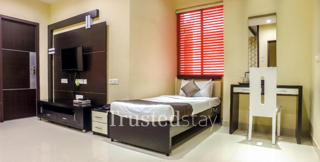 Bedroom at a Trustedstay property in Chennai | Plot # 54 ( GREAP1 )