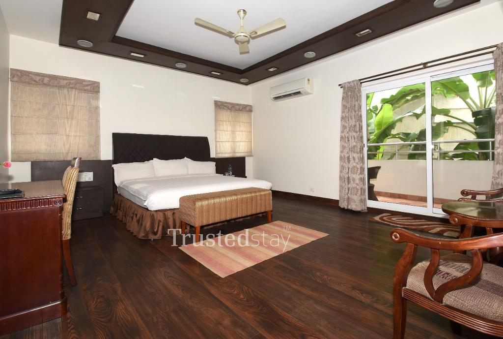 Service Apartments in Bangalore - Ulsoor Lake - Master bedroom