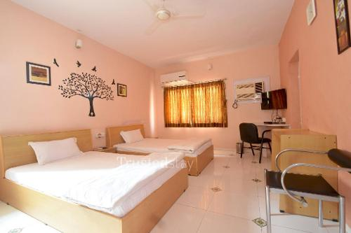Service apartments in  Prahlad Nagar, Ahmedabad | Bedroom