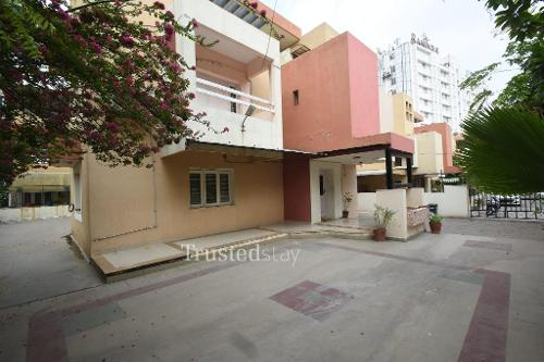Service apartments in  Prahlad Nagar, Ahmedabad   Bedroom