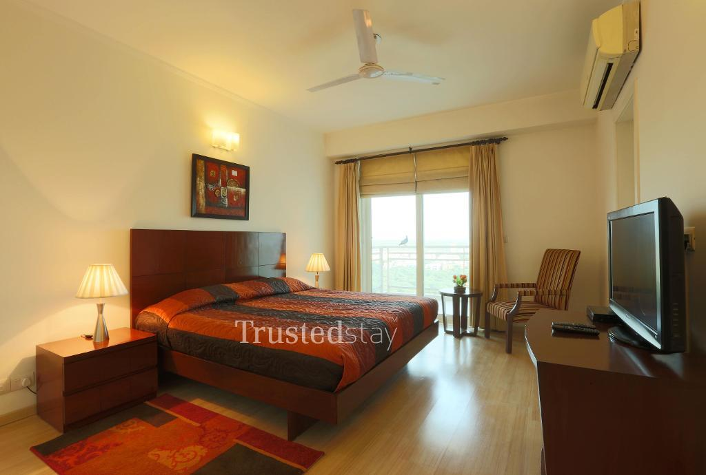 Master Bed Room | Trustedstay Service Apartments in  Gurgaon