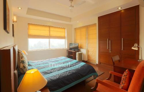 Serviced Apartments in Noida  | Bed Room