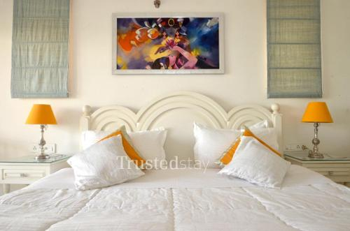 Service Apartments in Varanasi - Master Bedroom