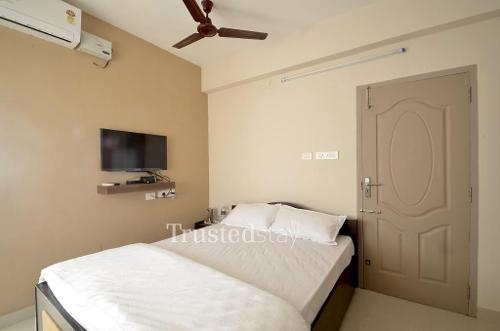 Service Apartments in Coimbatore, Nanjappa Nagar - Master Bedroom