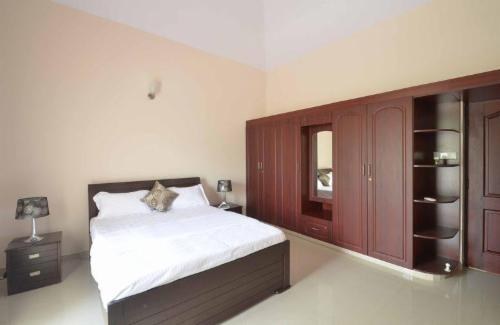 Service apartment - Hennur Road, Deluxe Bedroom