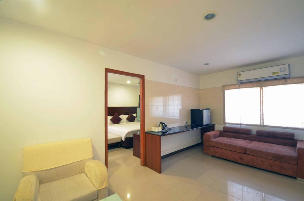 Luxury Service Apartments in Jubilee Hills | Hyderabad - Living Room