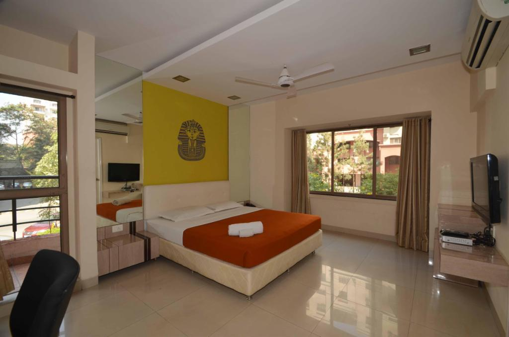 service apartment is Kalyani nagar, Pune, Bedroom