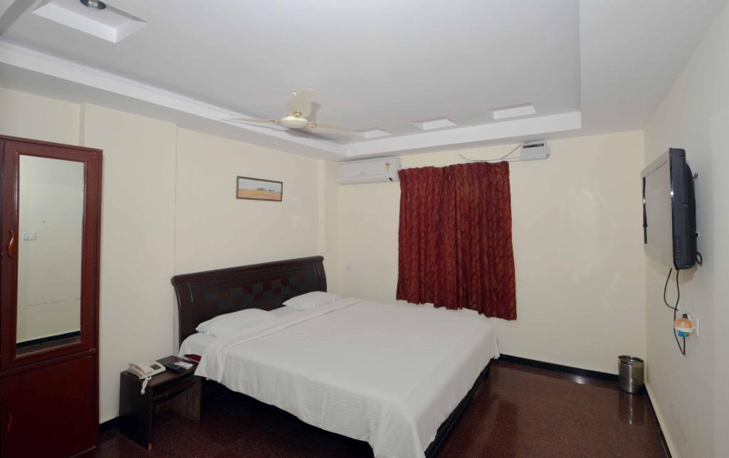 Bedroom at a Trustedstay property in Visakhapatnam | Plot No 33* ( LSBFN1 )