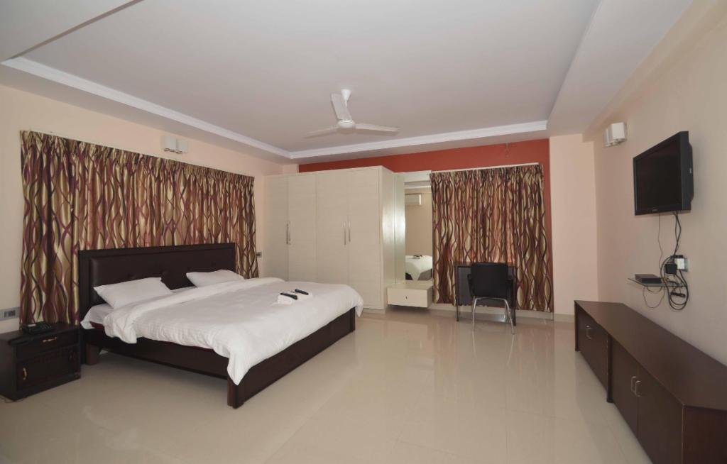 Book Service apartments in Visakhapatnam - Master Bedroom